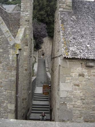 ruelle_a_l_interieur_du_mont_st_michel_01